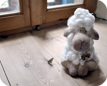 Η Ρόκκα δεν είναι απλά άλλος ένας ξενώνας στο Ζαγόρι. Είναι το σπίτι μας που με χαρά ανοίγουμε την πόρτα του και σας υποδεχόμαστε για να μοιραστούμε την καθημερινότητά μας μαζί σας