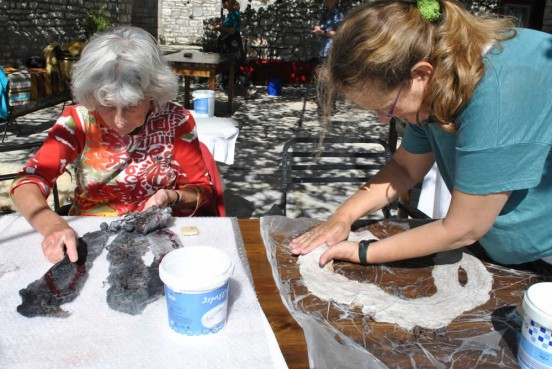 Σεμινάρια και προϊόντα υφαντικής (αργαλειού) & φελτ στα Ζαγοροχώρια